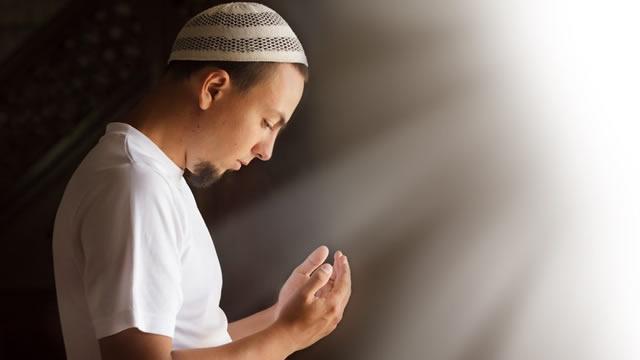 Doa Agar Tidak Jatuh Miskin