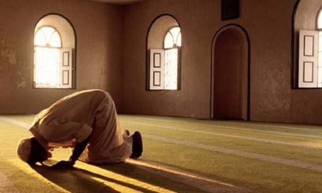 Tata Cara Salat Magrib Lengkap Bacaan Doa Usai Salat, dalam Bahasa Arab dan Terjemahan