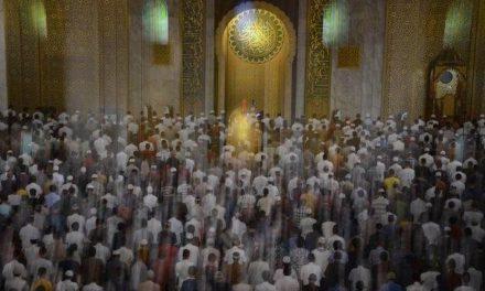 Niat Sholat 5 Waktu Dzuhur, Ashar, Magrib, Isya, Subuh Lengkap Doa dalam Bahasa Arab dan Terjemahan